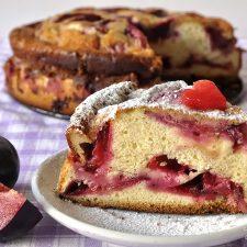 Γερμανικό κέικ με βανίλιες ή δαμάσκηνα