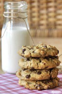 Cookies με ταχίνι, βρώμη και σοκολάτα / Chocolate chip tahini cookies