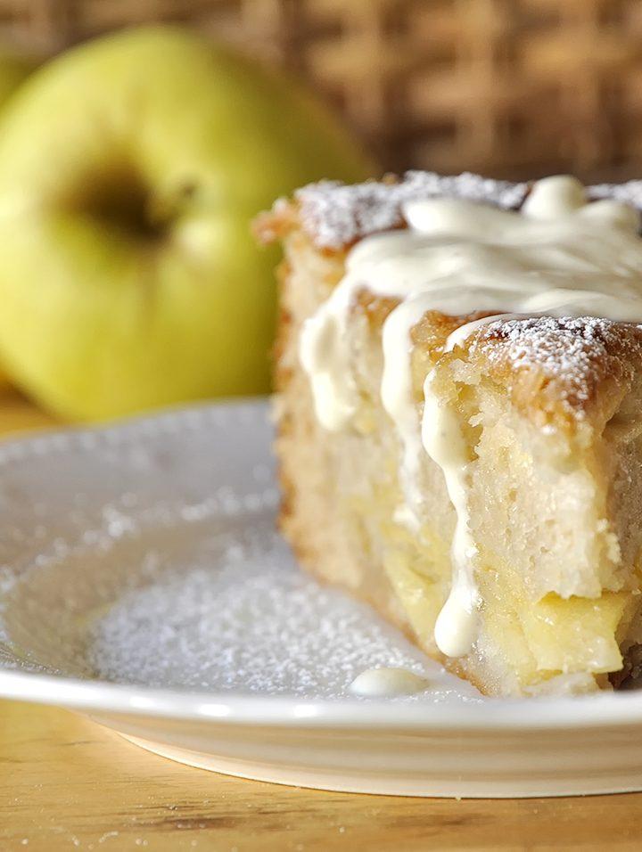 Μεθυσμένο κέικ μήλου