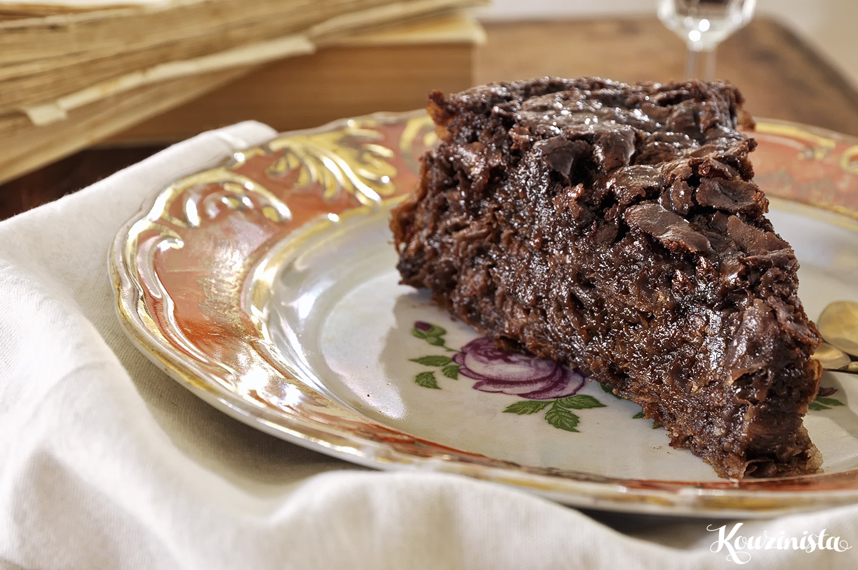Σιροπιαστή σοκολατόπιτα με φύλλα / Chocolate pie with phyllo pastry and chocolate syrup