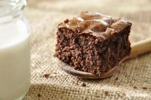 Μπράουνις με λίγες θερμίδες και χαμηλά λιπαρά, χωρίς βούτυρο ή λάδι / Skinny brownies made with Greek yogurt, no butter, no oil