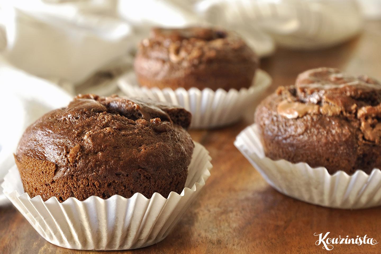 Muffins με μπανάνα και πραλίνα φουντουκιού / Nutella stuffed banana muffins