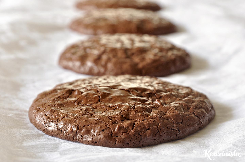 Σοκολατένια cookies χωρίς αλεύρι και βούτυρο / Flourless chocolate walnut cookies