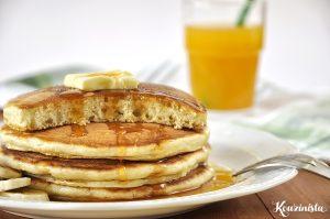 Φουσκωτά pancakes με γιαούρτι / Fluffy yogurt pancakes