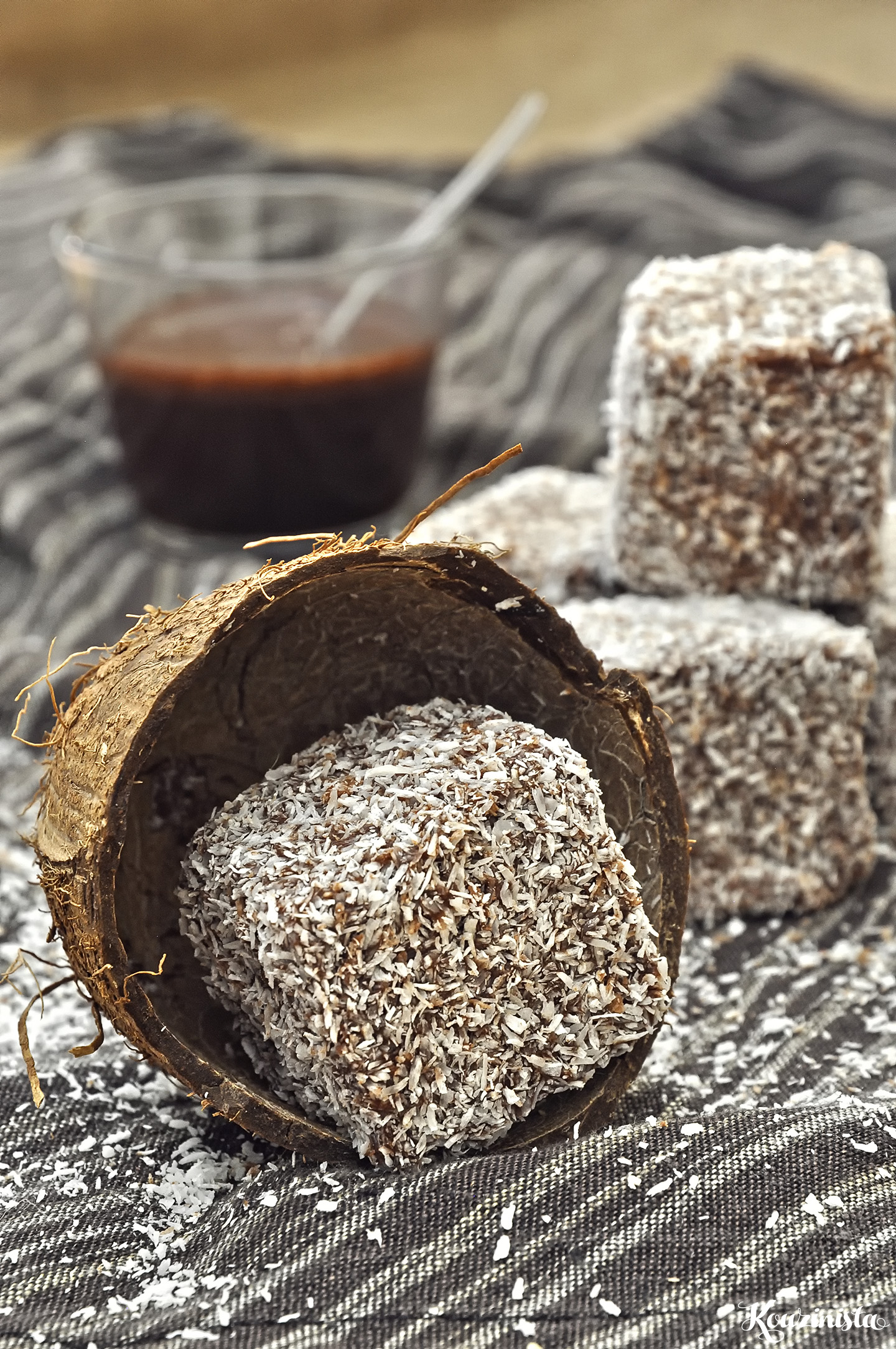 Nηστίσιμα κέικ με καρύδα και σοκολάτα (lamingtons ή χιονούλες) / Vegan lamingtons