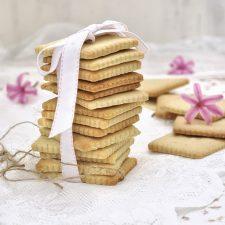 Πασχαλινά βουτυρένια μπισκότα