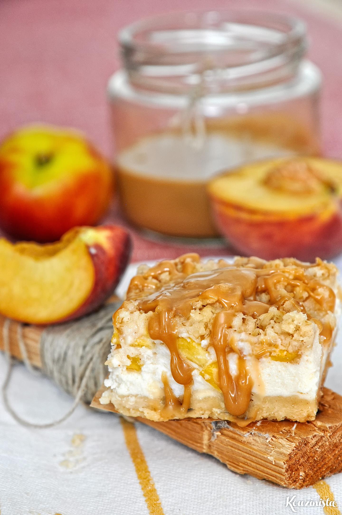 Τραγανές μπάρες με γιαούρτι, ροδάκινο & καραμέλα / Peach caramel greek yogurt crumb bars