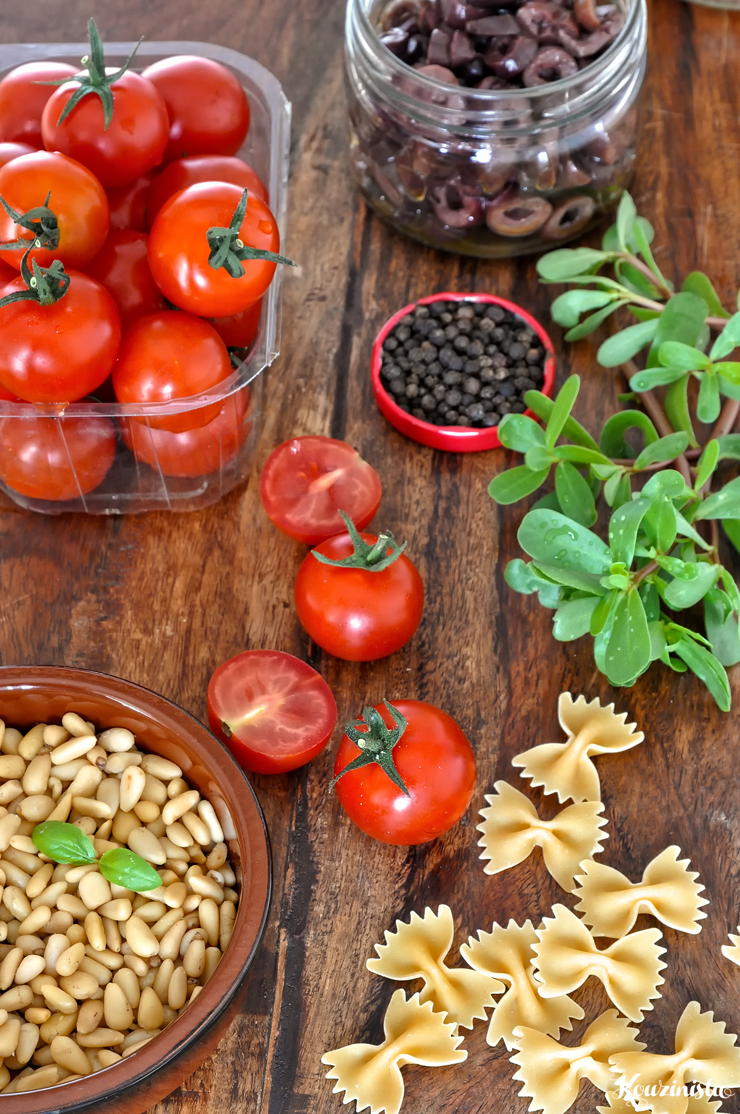 Σαλάτα ζυμαρικών με ψητά ντοματίνια / Roasted cherry tomato pasta salad