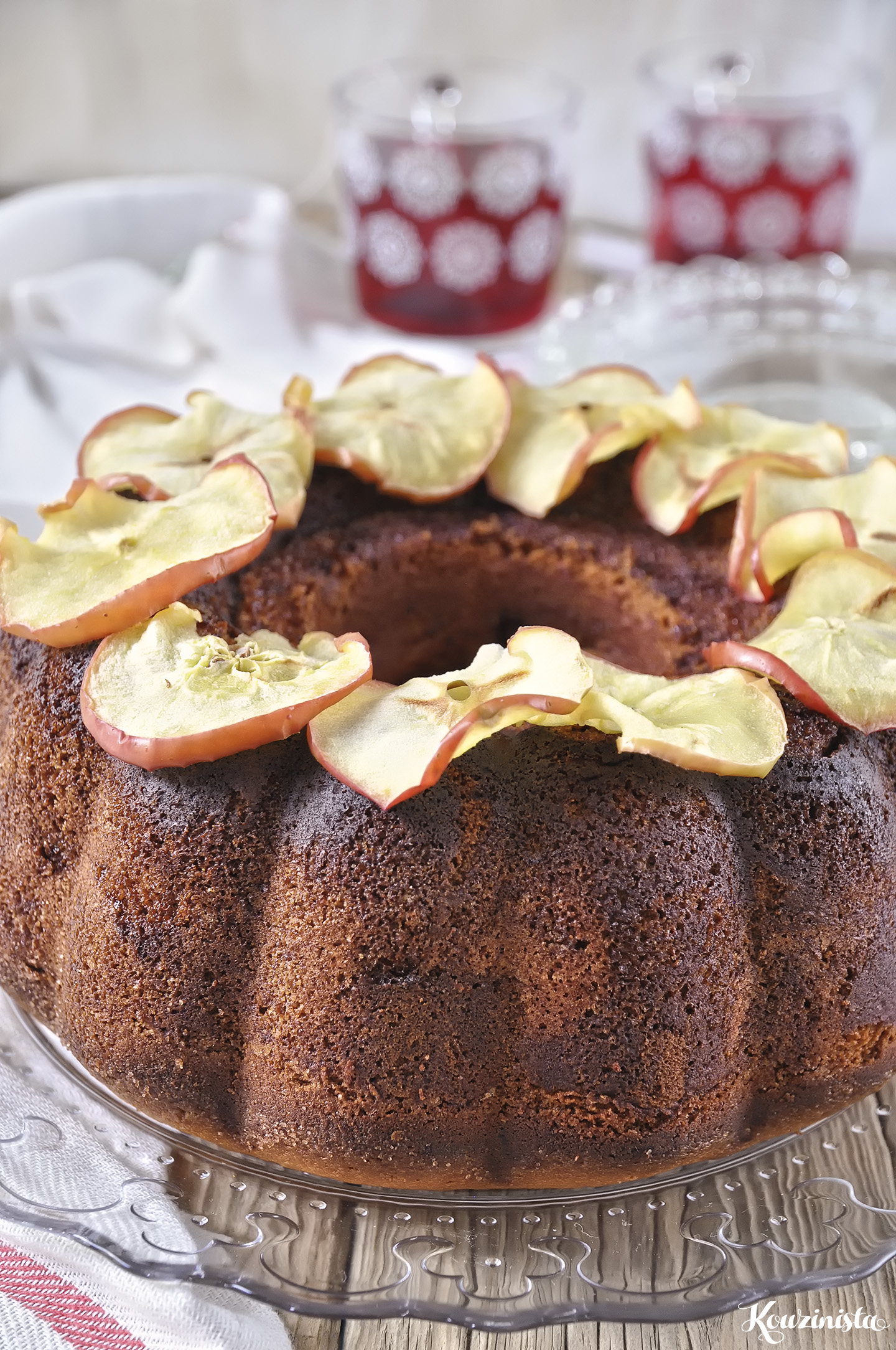 Πλούσιο κέικ μήλου με τυρί κρέμα / Tender Cream Cheese Apple Cake