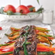 Μοσχαρίσια ρολάκια με λαχανικά & γλάσο βαλσάμικου