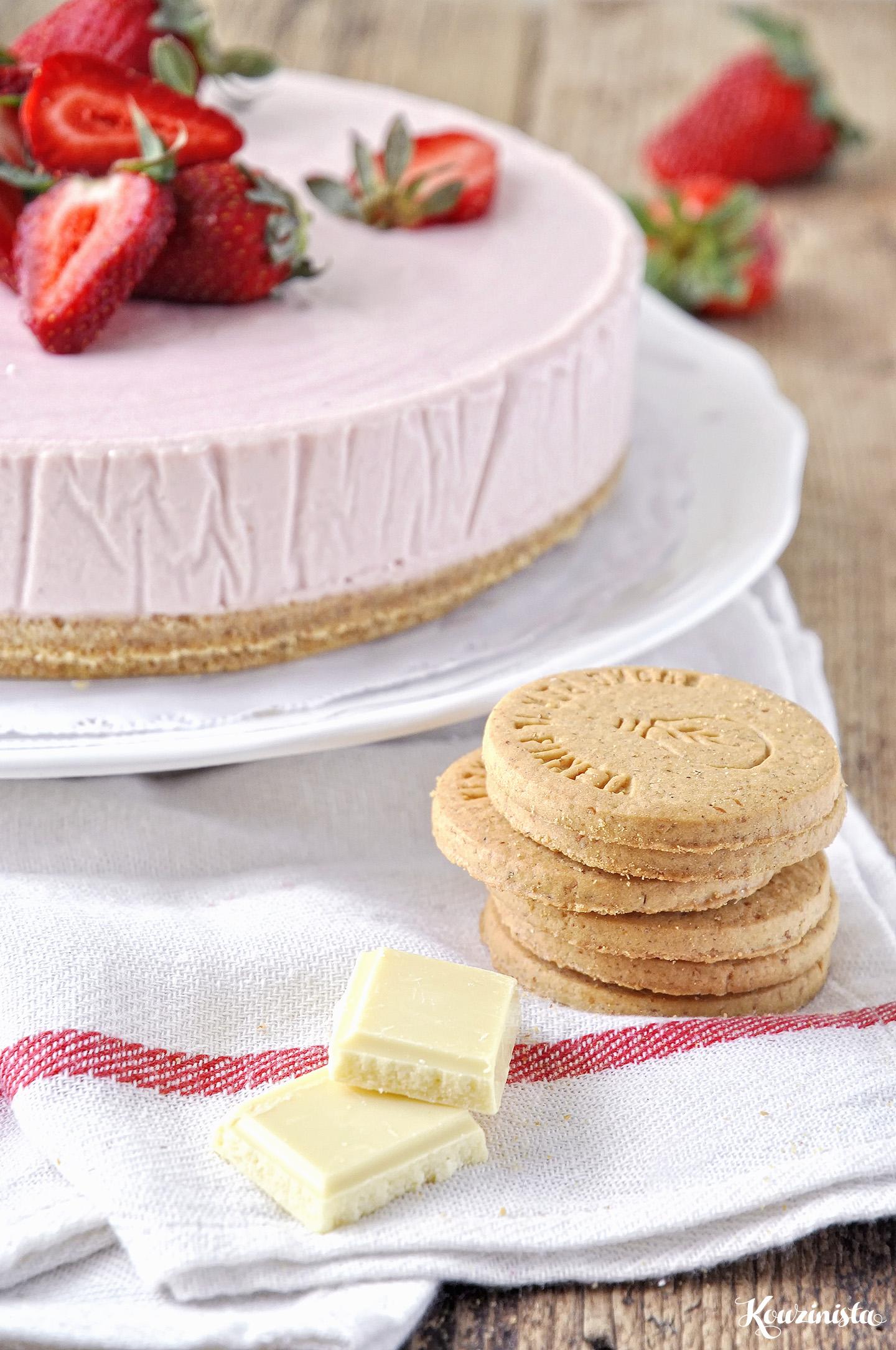 Παγωμένη τούρτα μους φράουλας με λευκή σοκολάτα / Frozen strawberry & white chocolate mousse cake