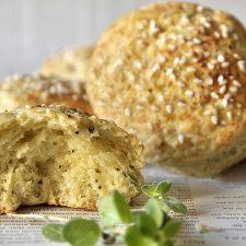 Αγγλικά «ψωμάκια» με γραβιέρα (scones)