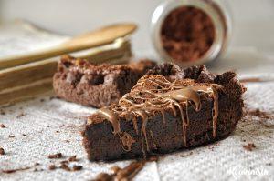 Σοκολατένια τάρτα με γέμιση μπράουνι & nutella / Nutella brownie pie