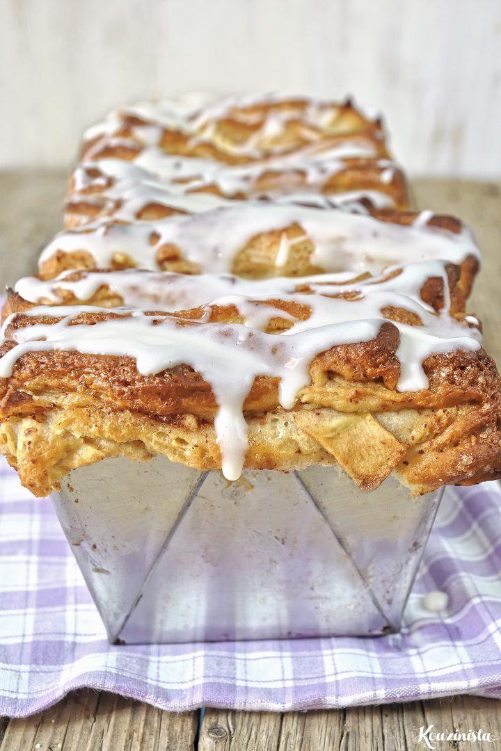 Μηλόπιτα ακορντεόν με επικάλυψη κρέμας τυριού / Apple cinnamon pull apart bread with cream cheese glaze